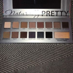 It Cosmetics, naturally pretty eyeshadow palette
